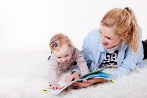 enfant-nounou-lecture