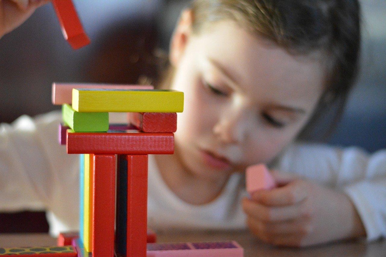 Développer la créativité des enfants par des activités manuelles